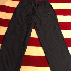 Nike Men's lined sweatpants.